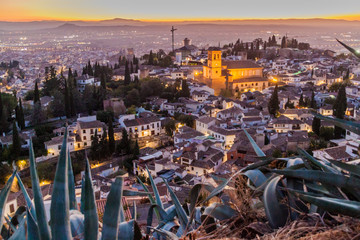 Fotorollo Lavendel Aerial view of Granada with Salvador church during the sunset, Spain.