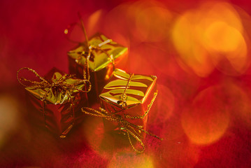 Geschenke Weihnachten Bokeh in rot