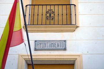 Ayuntamento. Mairie. Avec drapeau espagnol. Espagne.