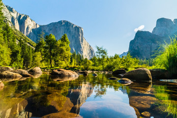 Tuinposter Bergen Hiking in the Yosemite National Park USA