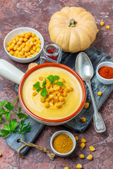 Spicy cream soup of chickpeas and pumpkin.