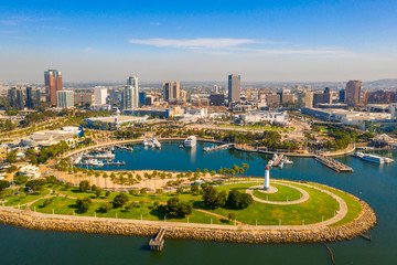 Fototapete - Aerial panoramic view of the Long Beach coastline, harbour, skyline and Marina in Long Beach with Palm Trees,. Beautiful Los Angeles.