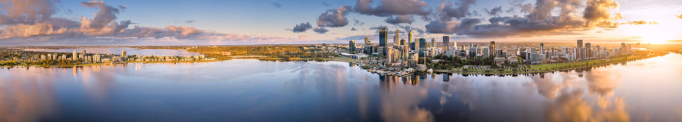 Ultra wide aerial panoramic view of the beautiful city of Perth at sunrise Fototapete