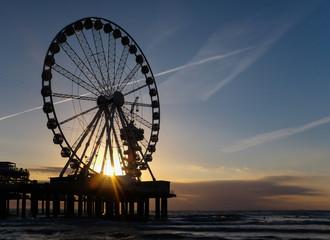 Riesenrad Pier Scheveningen Holland Sonnenuntergang Strand