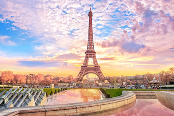 Poster Paris Eiffel Tower at sunset in Paris, France. Romantic travel background
