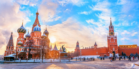 Door stickers Moscow View of the Moscow Kremlin and Cathedral of St. Basil at the Red Square at sunset winter in Moscow, Russia