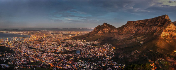 Cape Town night aerial view Fototapete