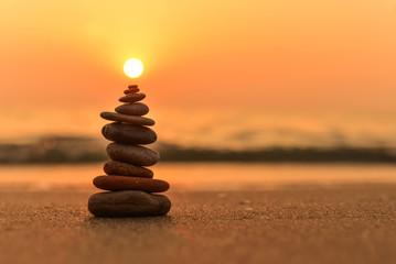 Photo sur Plexiglas Zen pierres a sable zen stones on the beach