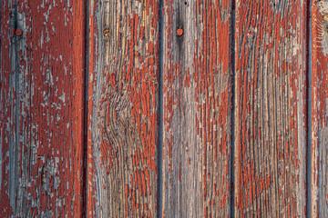 Lack blättert ab von roten Holz Latten