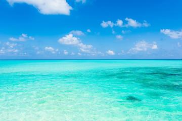 Foto auf Leinwand Turkis 美しい宮古島の海 Beautiful beach in Miyakojima Island, Okinawa.