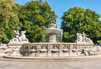 Wittelsbacher Brunnen am Lenbachplatz in München