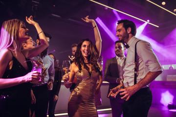 Obraz Spending friday night at the club - fototapety do salonu