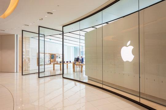 Apple Store in Dubai Mall, UAE