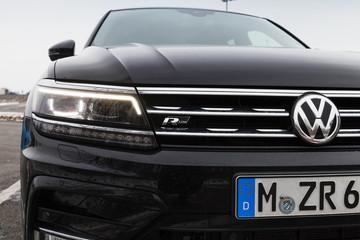 Volkswagen Tiguan, 4x4 R-Line, close-up