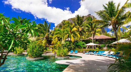 Fototapete - Luxury tropical holidays. Swim pool and relaxing spa territory, Mauritius island