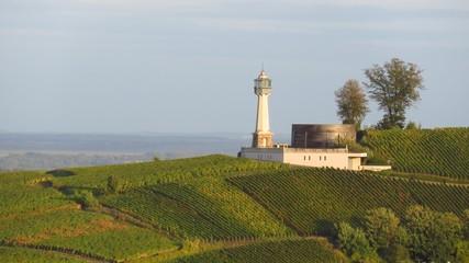 Phare de Verzenay au milieu des vignes en Champagne Ardenne (France)