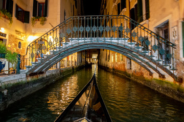Poster Venetie Venice Gondola tour at night