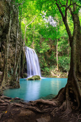 Photo sur Plexiglas Brun profond Waterfall cliff level 3, Erawan National Park, Kanchanaburi, Thailand