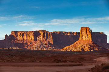Autocollant pour porte Marron Monument Valley on a sunny day
