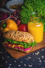 gesundes buntes Frühstück vegan