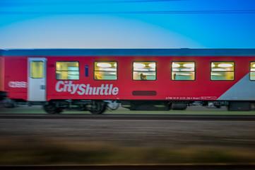 06.07.2019, ÖBB Personenzug, Aufnahme am Abend