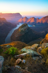 Fond de hotte en verre imprimé Afrique three rondavels and blyde river canyon at sunset, south africa 72