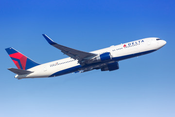 Delta Air Lines Boeing 767 airplane