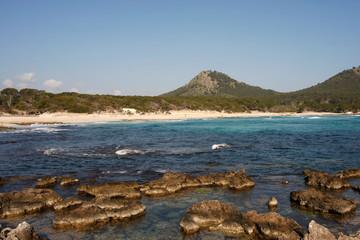 Felsenküste bei Cala Ratjada auf Mallorca