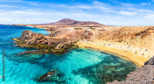 Wall mural Landscape with turquoise ocean water on Papagayo beach, Lanzarote, Canary Islands, Spain