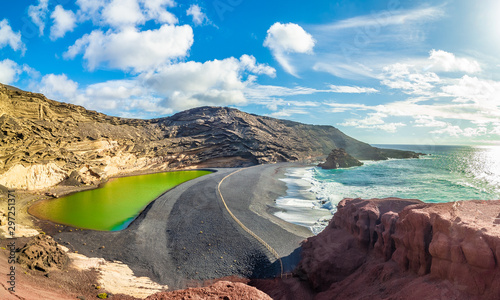 Wall mural Landscape with unique Lago Verde and black sands at El Golfo beach, Lanzarote, Canary islands, Spain