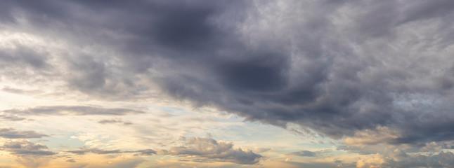 Fototapeta cloudy sky with clouds at sunrise obraz