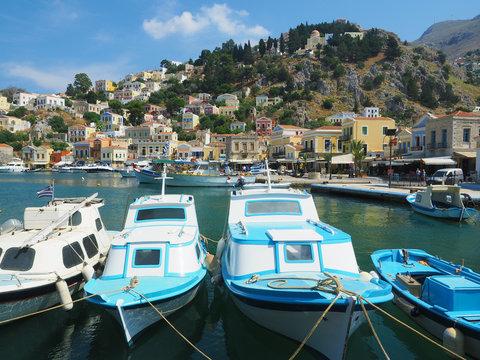 Boote im Hafen von Symi