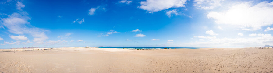 Photo sur Toile Iles Canaries Panorama of the sandy beach on the Canary Islands