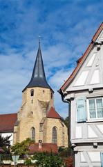 Fachwerkhaus und Kirche in süddeutschland