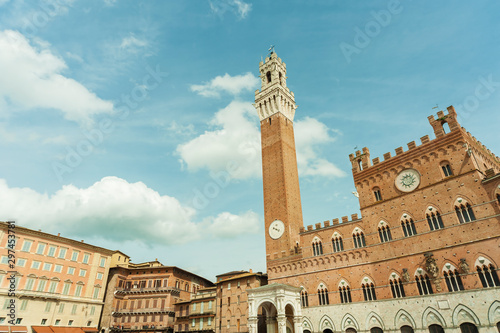 Fototapete Piazza del Campo of historical city Siena, Italy