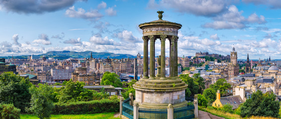 High resolution 84MP panorama of Edinburgh in Scotland Wall mural