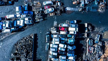 廃品の自動車 空撮