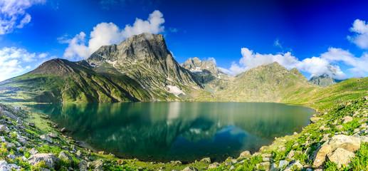 Poster de jardin Photos panoramiques The great lakes of Kashmir, India