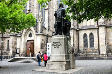 Statue of Johann Sebastian Bach near Thomaskirche St. Thomas Church in Leipzig, Germany. May 2014 Fototapete