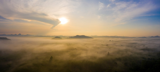 Morning sunrise with cloud over mountain in Surat Thani province, Thailand Fototapete