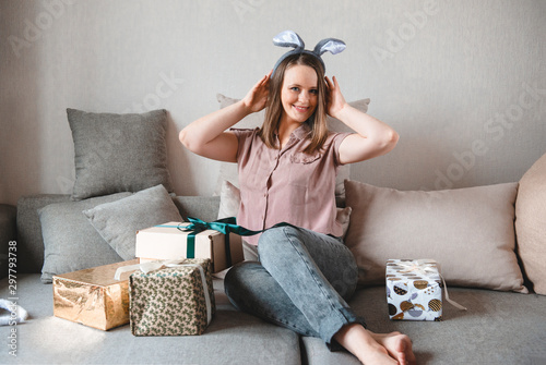 Strange White Woman Sitting On Couch With Boxes Ts And Holds On Squirreltailoven Fun Painted Chair Ideas Images Squirreltailovenorg