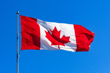 Canadian Flag in Blue Sky Fototapete