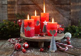 Fototapeta Vier Kerzen und festliche Dekoration obraz