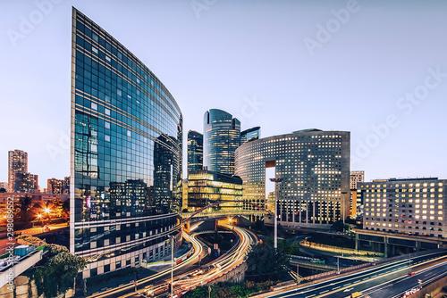 Fototapete La Defense, business district in Paris