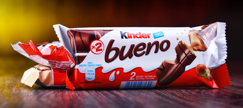 Chocolate bars of Kinder Bueno, products of Ferrero