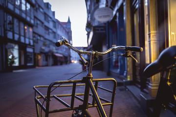 Fotorollo Fahrrad Lieferfahrrad in der Kramerstrasse in Hannover