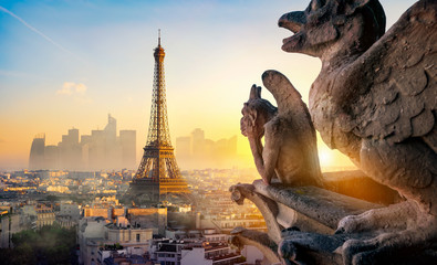 Photo sur Toile Tour Eiffel Chimera and Eiffel Tower