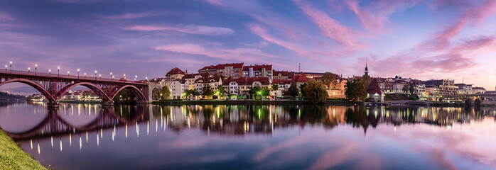 Sunrise at Maribor Fototapete