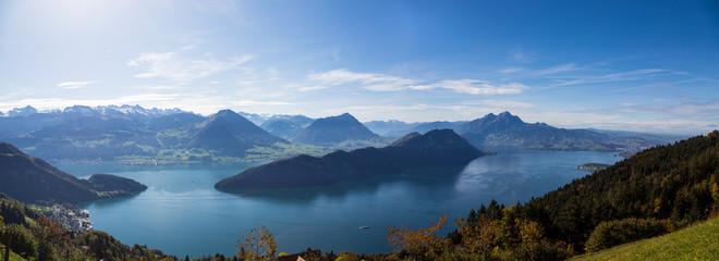 Panorama des Vierwaldstättersee in der Schweiz