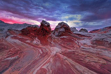 In de dag Crimson Dramatic landscape in the desert southwest, Arizona, USA.